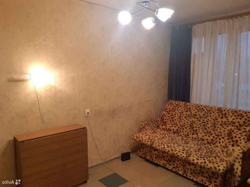 Сдается комната ,  в выделенной отдельной квартире в бывшем общежитии квартирног